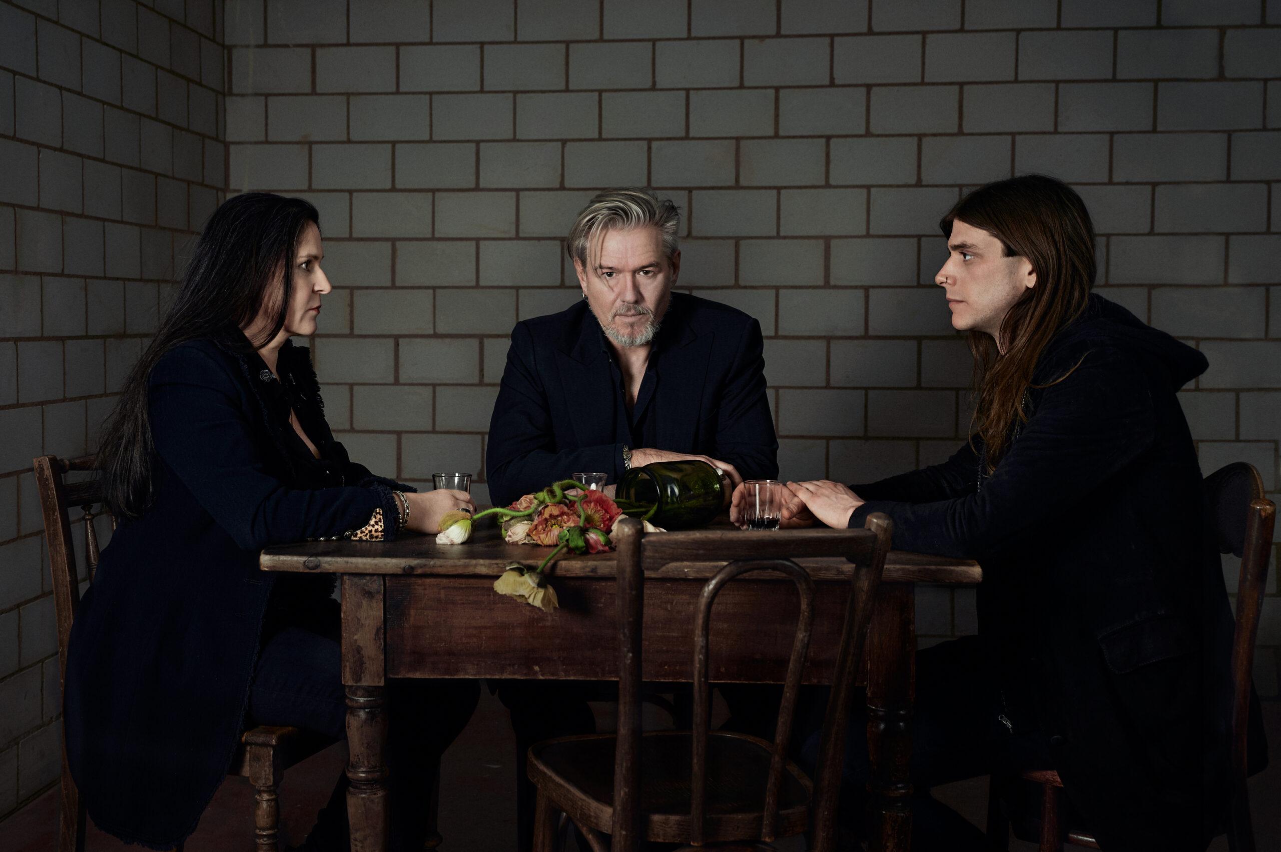 GRABER: Todgesagt mit Sara Schär, Jan Graber, Stefano Mauriello (v.l.) © Corinne Koch, 2020.